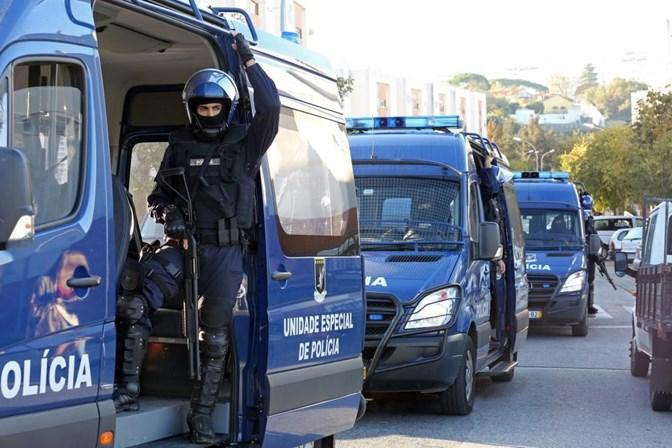 Recuperadas três armas roubadas há um ano na sede da PSP