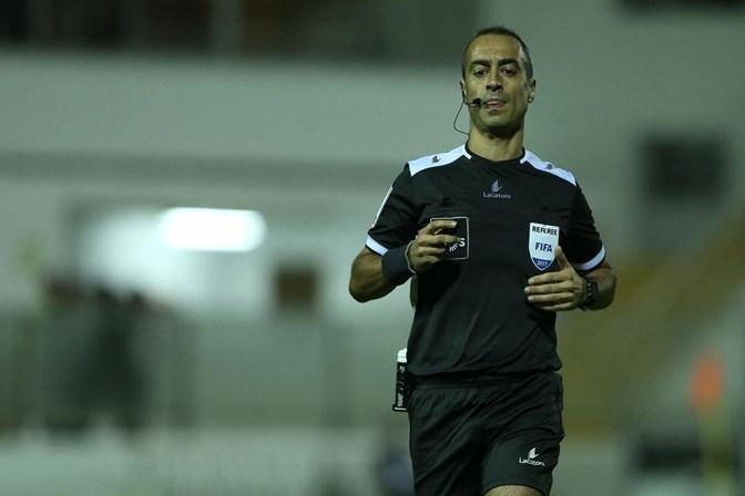 Jorge Sousa arbitra clássico entre Sporting e FC Porto — Taça de Portugal