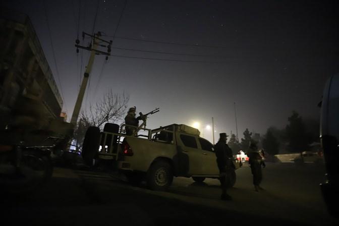 Hotel na capital do Afeganistão atacado por homens armados