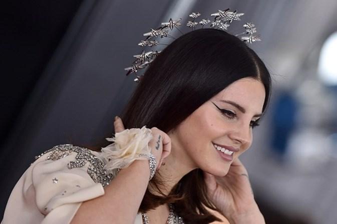 Homem é preso por perseguir e ameaçar sequestrar Lana Del Rey