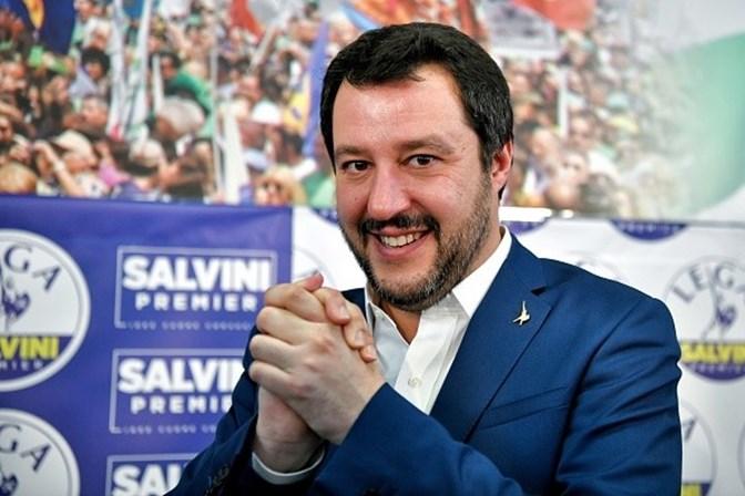 Eleições da Itália contam com primeiras falhas