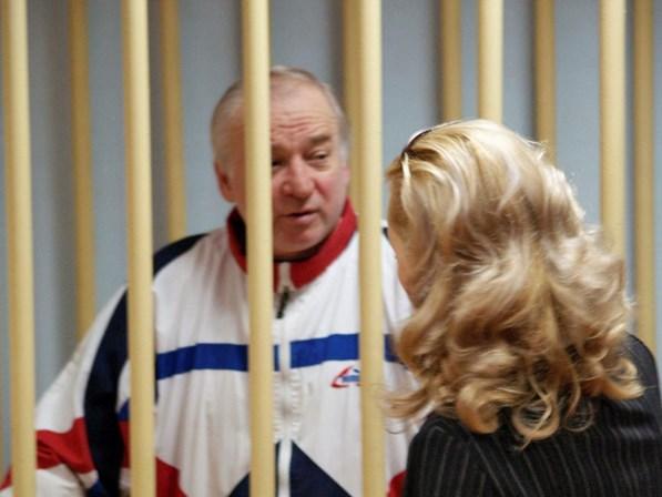 EUA e UE expulsam diplomatas russos e abrem crise com Moscou