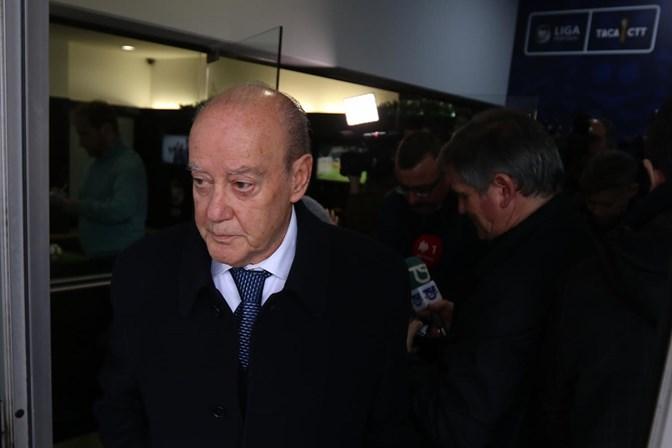 Pinto da Costa e Vieira na mesma mesa, Sporting sem representação