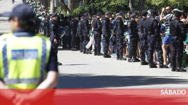 f28a7360b3 Polícias exigem que clubes paguem policiamento de claques - Desporto -  SÁBADO