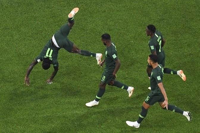 1ac96bba77 Argentina vence Nigéria e classifica-se para os oitavos de final ...