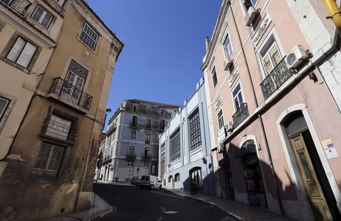 fd59465909 Reformados franceses chegam aos milhares por ano a Lisboa - Portugal ...