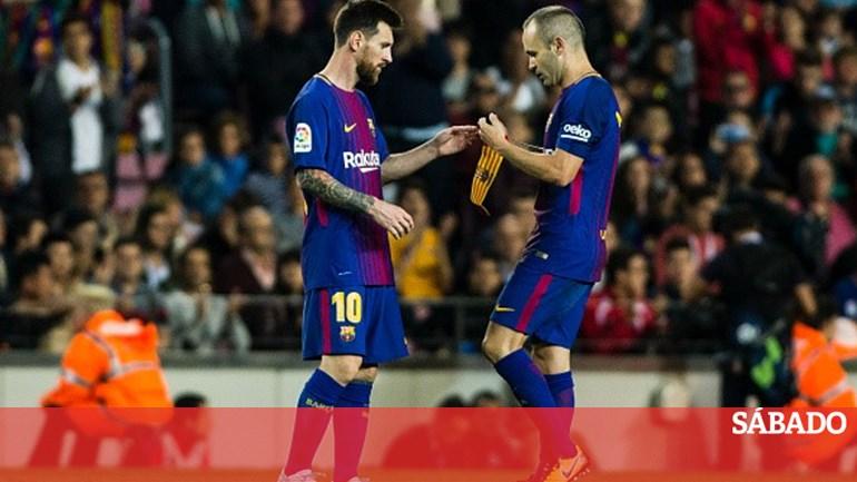 071e9aba43 Messi vai ser o capitão do Barcelona após a saída de Iniesta - Desporto -  SÁBADO